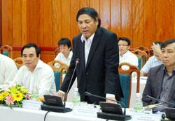 Ông Nguyễn Bá Thanh tại buổi gặp gỡ với doanh nghiệp và ngân hàng tại Đà Nẵng hôm 06/01/2013. Photo courtesy of thanhnien.com