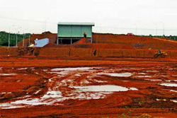 Công trường khai thác bauxite ở Tây Nguyên. Photo courtesy of soctrang.gov.vn