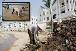 Đất ruộng của nông dân biến thành khu nhà cao cấp giá hàng tỷ đồng. RFA/AFP(Ảnh minh hoạ)