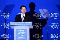 Thủ tướng Việt Nam Nguyễn Tấn Dũng tại Diễn đàn Kinh tế Thế giới về Đông Á ở Manila vào ngày 22 tháng 5 năm 2014. AFP PHOTO / NOEL Celis.
