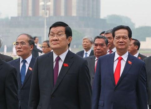 Từ trái sang: Chủ tịch Quốc hội Nguyễn Sinh Hùng, Chủ tịch nước Trương Tấn Sang và Thủ tướng Nguyễn Tấn Dũng tại Hà Nội. (Ảnh minh họa chụp năm 2015)