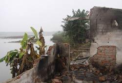 Căn nhà của gia đình ông Đoàn Văn Vươn bị chính quyền phá.