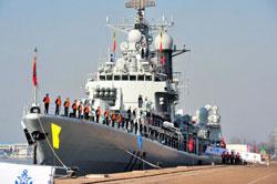 Tàu khu trục Thanh Đảo thuộc Hải quân Trung Quốc tại một cảng ở thành phố Thanh Đảo, tỉnh Sơn Đông, ngày 27 tháng 02 năm 2012. AFP PHOTO.