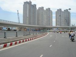 Cao ốc và đường cao tốc ở môt số đô thị (RFA - ảnh minh họa.)