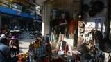 Cảnh buôn bán ở một góc phố Hà Nội hôm 8/12/2016.