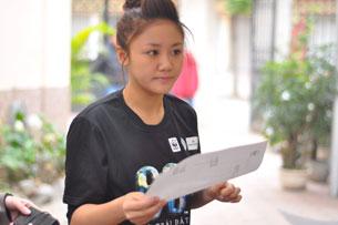 Ca sĩ Văn Mai Hương, á quân cuộc thi Idol Việt Nam năm 2010, được chọn làm đại sứ cho chương trình Giờ Trái đất tại Việt Nam.
