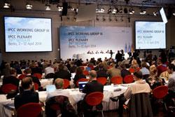Kỳ họp Nhóm công tác III thuộc phúc trình đánh giá thứ năm về vấn đề biến đổi khí hậu do Ủy ban Liên chính phủ về Biến đổi khí hậu - IPCC tổ chức ở Berlin ngày 13 tháng 4 năm 2014. AFP/DPA/Joerg Carstensen.