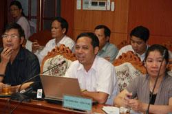 Tiến sĩ Lê Huy Minh, Viện phó Viện Vật lý địa cầu trong cuộc họp của bộ KHCN chiều 12/9. Photo courtesy of phunuonline.com