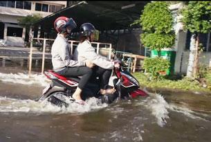 Trận lụt lịch sử ở Thái Lan kéo dài từ tháng 7 đến nay vẫn còn tiếp diễn. RFA