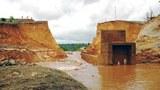Vụ vỡ đập thủy điện Ia Krêl 2 là sự cố mới nhất liên quan tới chất lượng công trình thủy điện tại các tỉnh Tây Nguyên. Đập thủy điện Ya Krel 2 được xây dựng trên suối Ya Kre  tại huyện Đức Cơ tỉnh Gia Lai