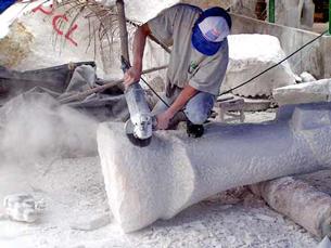 Làng nghề điêu khắc đá mỹ nghệ Non Nước. RFA