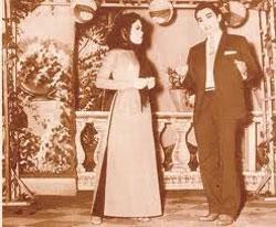 Nghệ sĩ Út Bạch Lan và Nghệ sĩ Thành Được trong vở Nửa Đời Hương Phấn, ảnh chụp năm 1959.