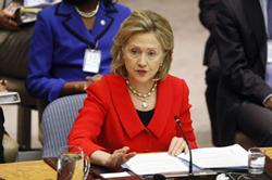 Bà Hillary Clinton phát biểu tại buổi kỷ niệm 10 năm Nghị quyết 1325 về Phụ nữ, Hòa bình và An ninh. Photo courtesy of state.gov
