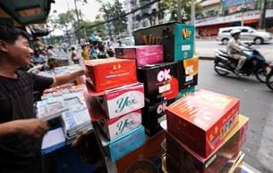 Vietnam-shop-condoms-305.jpg
