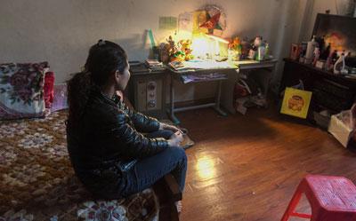 Mẹ của một đứa trẻ bị lạm dụng tình dục ở Hà Nội chụp hôm 13/3/2017.
