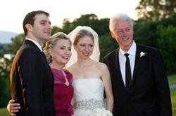 Đám cưới tiểu thư nhà Clinton tháng 8/2010. AFP photo