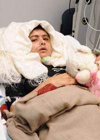 Malala Yousafzai đang điều trị tại bệnh viện Queen Elizabeth hôm 19/10/2012 do bị Taliban bắn vào đầu. AFP photo