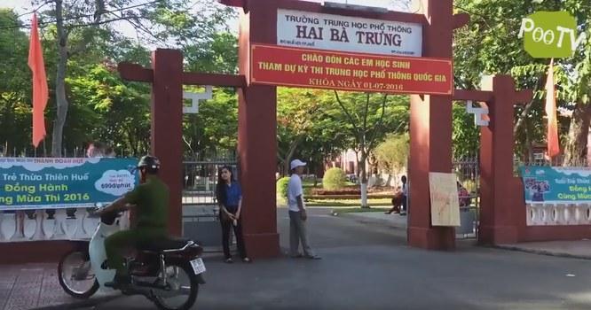Kỳ thi Trung học phổ thông tại trường Hai Bà Trưng ở Huế. Ảnh chụp từ đoạn clip được cho là chế diễu kỳ thi Trung học phổ thông quốc gia 2016.