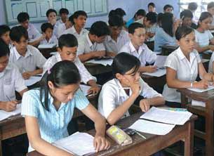Học sinh lớp 9 ở Cà Mau đang luyện thi để chuẩn bị cho kỳ tuyển sinh vào lớp 10.