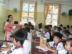 Một tiết học lịch sử của học sinh Trường THCS Kiến Thiết, quận 3 - TPHCM. Photo courtesy of tieuhocdanghai.com