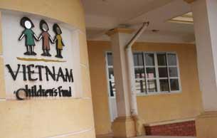 Nơi nuôi dạy trẻ em tàn tật do hâu quả chiến tranh tại Hà Nội. Photo courtesy Plasma HN.