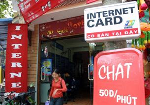 Các cửa hàng, dịch vụ Internet tại VN như nấm mọc sau mưa. AFP