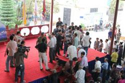 Giáo xứ Thái Hà bị côn đồ tấn công hôm 03/11/2011. Photo courtesy of worldpress