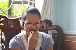Cô Phạm Thanh Nghiên sau khi ra tù ít ngày. Courtesy Dân Làm Báo.