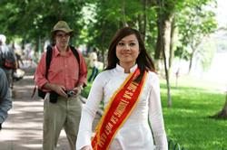 """Trịnh Kim Tiến, """"hoa khôi biểu tình"""". Courtesy Nguyen Lan Thang/Kami's blog"""