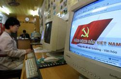 Tuyên truyền cho ĐCSVN trên màn hình máy tính của một nhân viên nhà nước. AFP photo