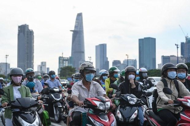 Bài toán xe máy cũ dân nghèo phải dùng và nạn phát thải