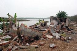 Căn nhà của ông gia đình ông Đoàn Văn Vươn bị chính quyền đập phá sau vụ cưỡng chế khu đầm hôm 05/1/2012