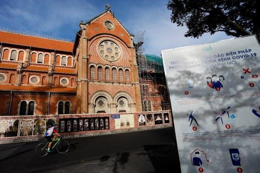 Nhà thờ Đức Bà ở Sài Gòn ngày 9 tháng 7 năm 2021. AFP