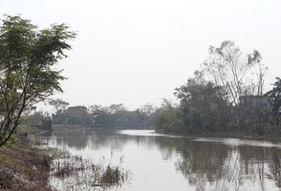 Sông Kiến Giang, đoạn ngang qua ngôi mộ cụ Dinh. RFA photo