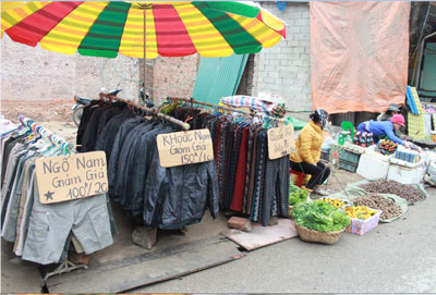 Một góc ven chợ biên giới Việt - Trung