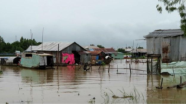 Những xóm nhà lưa thưa ở vùng biên giới An Giang