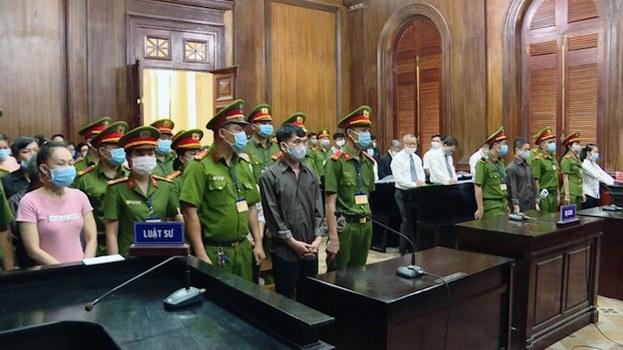 Nhóm 8 người thuộc nhóm Hiến Pháp tại phiên toà xét ở ở TP Hồ Chí Minh hôm 31/7/2020