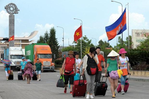 Một tướng Campuchia bị điều tra về cáo buộc bắt và tống tiền 4 người Việt