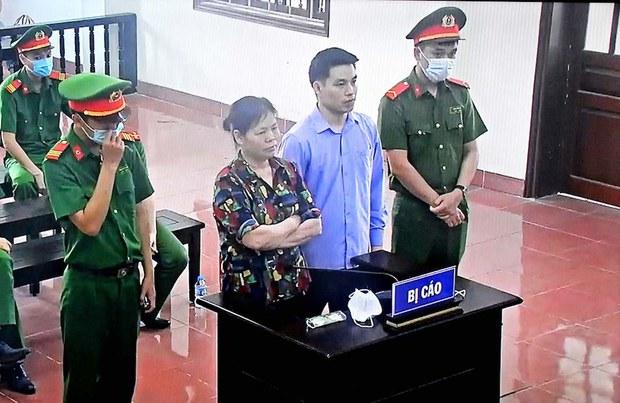 Nhà hoạt động Cấn Thị Thêu và con trai bị tuyên án tổng cộng 16 năm tù