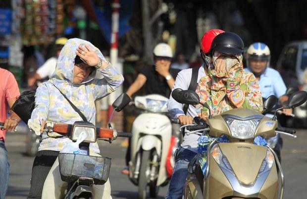 Chất lượng không khí tại Hà Nội ở mức kém, chỉ số UV ở một số thành phố lên mức nguy hiểm