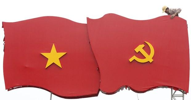Bình Thuận: Một người dân bị khởi tố về tội xúc phạm quốc kỳ