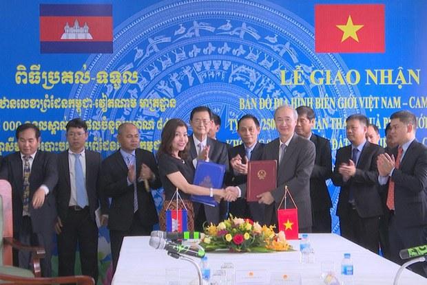 Việt Nam và Campuchia ký Hiệp định Hợp tác An ninh Biên giới