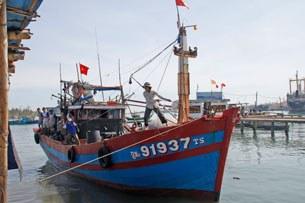 Một tàu cá đang cập bến ở Quảng Nam (minh họa)