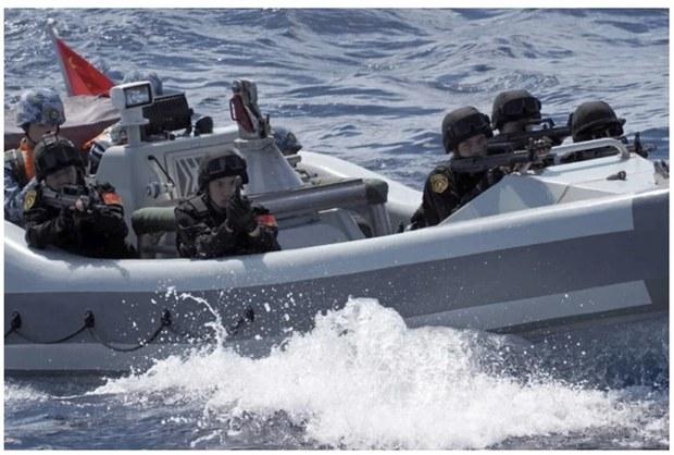 Buổi diễn tập của tàu hải quân Trung Quốc.