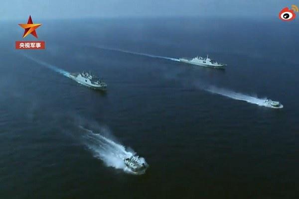 Trung Quốc diễn tập bắn đạn thật và đổ bộ chiếm đảo tại Biển Đông