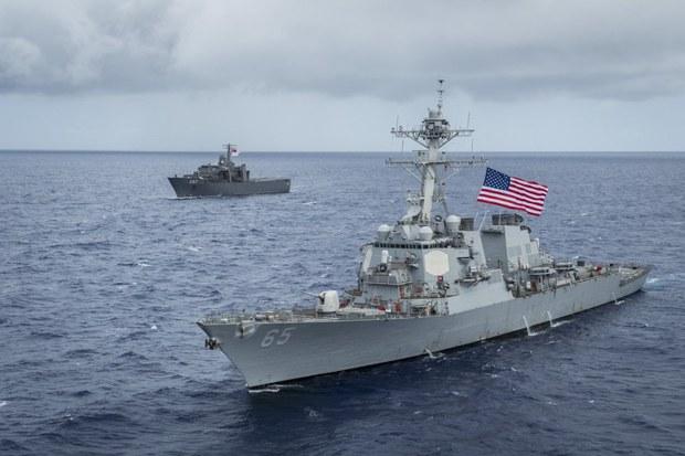 Chiến hạm Mỹ đi gần đảo Vành Khăn, Trung Quốc phản đối