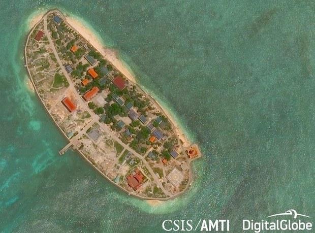 """Trung Quốc """"tố"""" Việt Nam tiếp tục mở rộng đảo ở Trường Sa"""