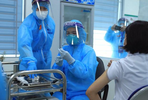 Việt Nam ghi nhận hơn 600 ca nhiễm COVID-19 trong cộng đồng hai tuần qua