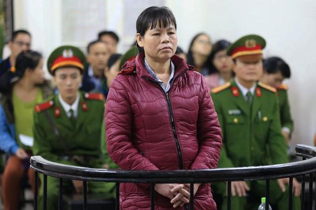 Nhà hoạt động Cấn Thị Thêu được gặp luật sư lần đầu tiên sau nhiều tháng giam giữ