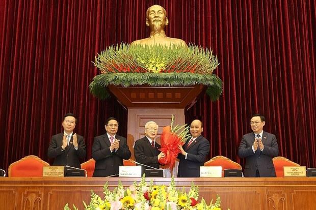 Ông Nguyễn Phú Trọng chủ trì phiên họp đầu tiên của Bộ Chính trị, Ban bí thư khoá 13